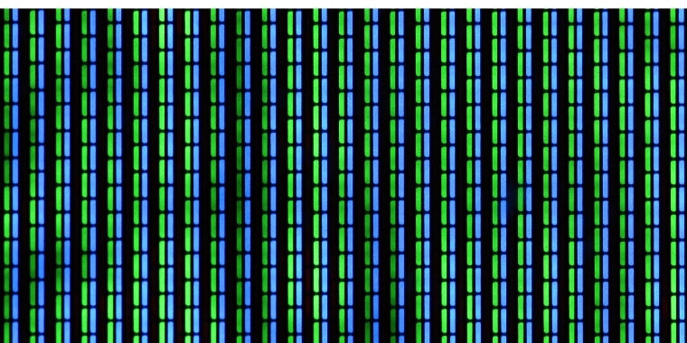 Green pixels showing on the monitor